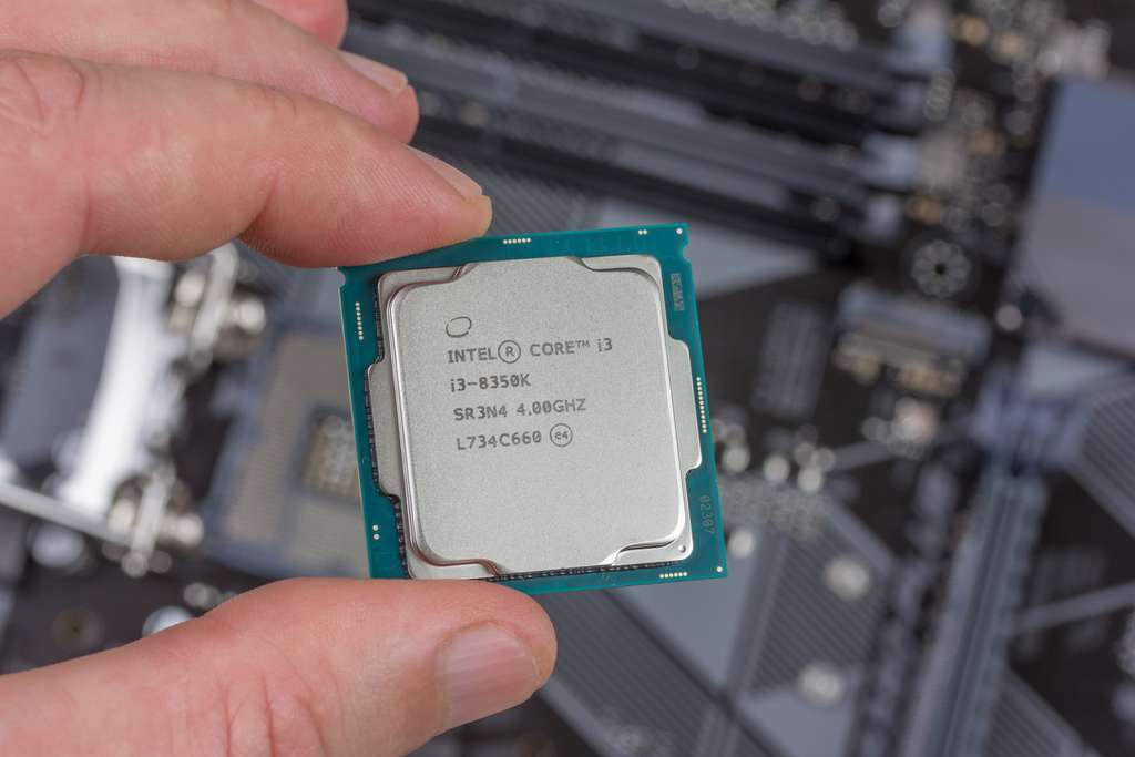 fa788a48ce_50159365_intel-amd